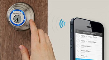 Smartphone controllable door lock